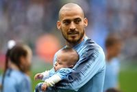 سيلفا وأبنه