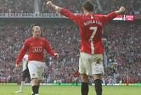 عقب انضمامه رونالدو إلى مانشستر يونايتد حقق العديد من الألقاب والبطولات مع الشياطين الحمر.
