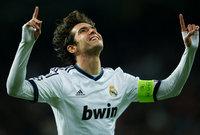 موهبة البرازيل الرائعة، وأفضل لاعب في العالم، انتقل إلى ريال مدريد في صيف 2009، قادمًا من إيه سي ميلان، بمقابل قدره نحو 67 مليون يورو