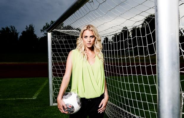 نستعرض معكم بالصور أجمل 10 إعلاميات في مجال كرة القدم