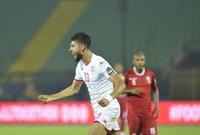 وبذلك النتيجة تاهل منتخب تونس إلي الدور قبل النهائي من بطولة أمم إفريقيا ليواجه السنغال يوم الأحد المقبل في تمام التاسعة مساء علي استاد الدفاع الجوي.