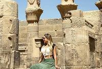 زوجة أرتورو فيدال تستمتع بعطلتها الصيفية في مصر