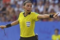 الحكمة الفرنسية ستصبح أول سيدة تقود مباراة رسمية كبرى فى مسابقات الاتحاد الاوروبى للرجال عبر تاريخه